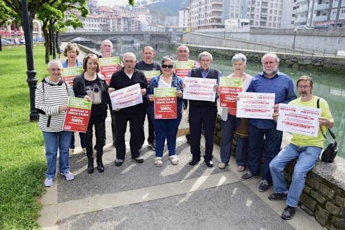 Pentsiodunak-manifestaziorako-deia-egiten 2018-05-20